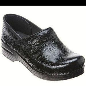 Dansko Professional Tooled Leather Clogs 42/12